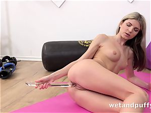moist tastey poon with yoga babe Gina Gerson