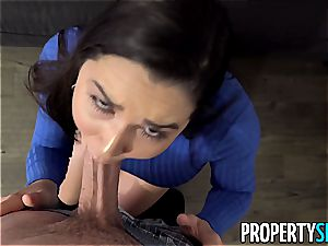 PropertySex curvy Real Estate Agent romps suspended client