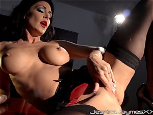 crazy dark haired Jessica Jaymes frigs her tasty vagina pie in her office