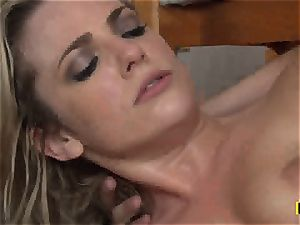 Bailey Blue gets her shaved vulva tucked with chisel