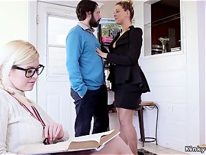 bore buttfuck penalizing nubile and her mummy