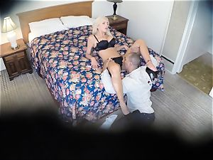 naughty Nina Elle nails her fellow at the motel
