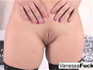 fantastic Vanessa box plays with her favorite electro-hitachi