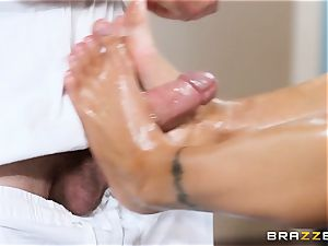 fantasy footjob given by Nina Elle
