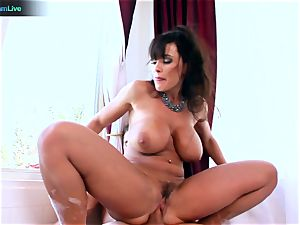 Lisa Ann luvs sitting into Toni Ribas meaty wood