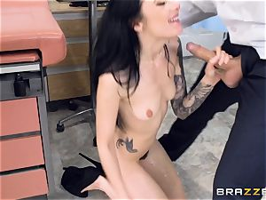 Marley Brinx gets her fuckbox deeply studied at the doctors