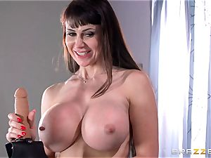 Kenna James seduced by jaw-dropping cougar Eva Karera