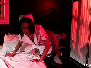 supah sizzling nurse flesh Diamond gives a stellar taunt