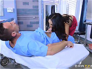 Bethany Benz humps her doctors big rigid prick