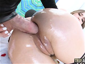 TRUE ass-fuck Riley Reid has her donk munched then nailed