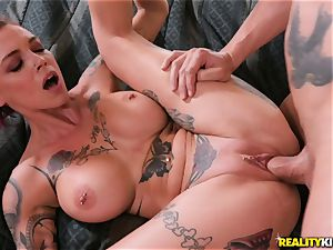 Anna Bell Peaks enters your living room for jizz
