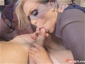 Julia Ann vulva filled on mothers day