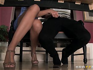 Mercedes Carrera shows Amirah Adara how to sate her fellow