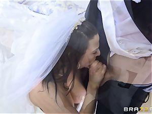 rod thirsty bride Simony Diamond