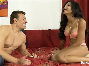 Exotic sweetie Sadie Santana covets a creampie