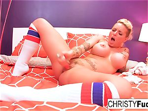 Christy uses a fucktoy on her cock-squeezing fuckbox
