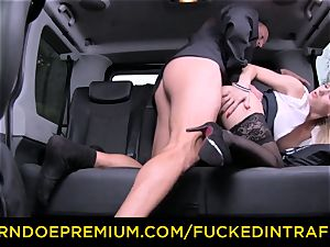 torn up IN TRAFFIC - sexy blond plowed in backseat