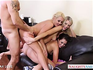 magnificent Aaliyah love humping in 4 way