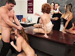 Classroom splattering session with Veronica Avluv and Maddy OReilly