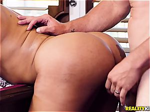 bootylicious mamma earns a hard trouser snake up up to the ballsack