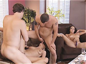 group hump and Hangman with super-cute couples 4