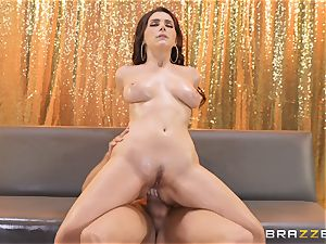 Valentina Nappi slips on the pipe of Xander