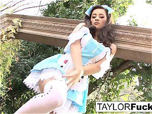 Taylor Vixen Solo getting off