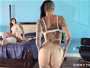 incredible porno threeway with tattooed punks Leigh Raven, Nikki Hearts and Xander Corvus
