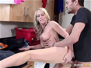Mean mommy Simone Sonay gets banged by daughters man