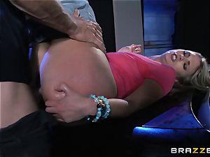 Cops daughter Scarlet crimson humps the bad fellow