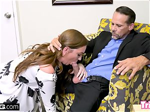 Maddy pounds the therapist while her hubby waits